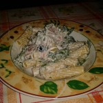 Rigatoni con speck rucola e olive