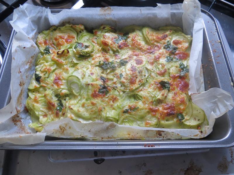 Zucchine al forno con pomodoro