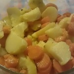 Insalata di patate e carote lesse