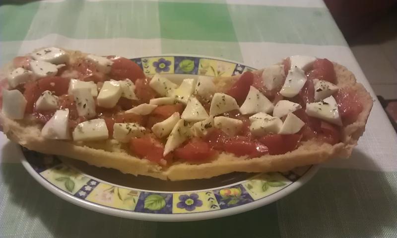 Bruschetta pomodoro e mozzarella