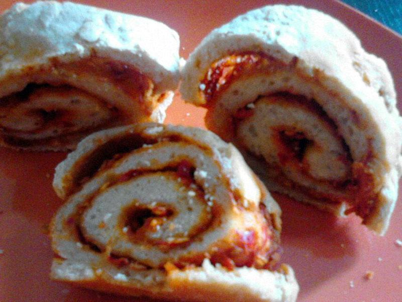 Pizza arrotolata con rosamarina piccante