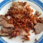 Roast beef con carote e cipolle