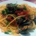 Spaghetti alle vongole veraci con pomodorini