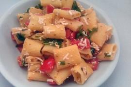 rigatoni-mozzarella-rucola-pomodorini