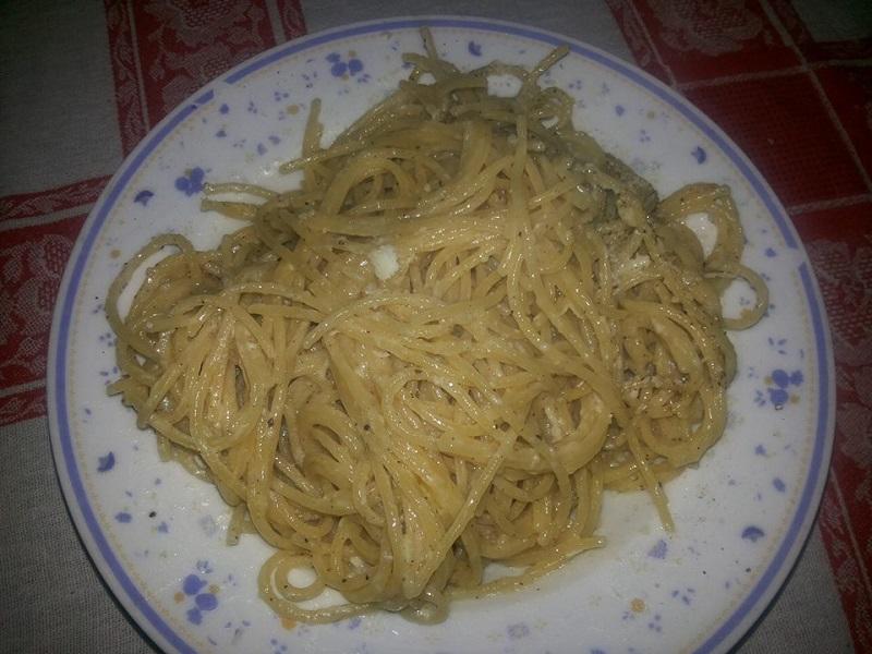 Spaghetti cacio e pepe avanzata