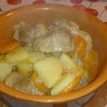 Bocconcini di maiale con patate e carote