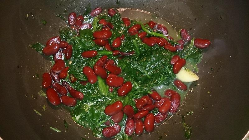 spinaci e fagioli rossi
